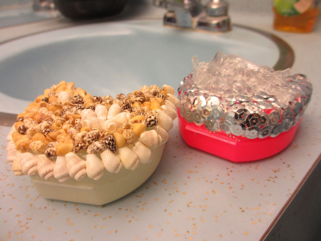 How to Clean a Dental Retainer Most Efficiently?